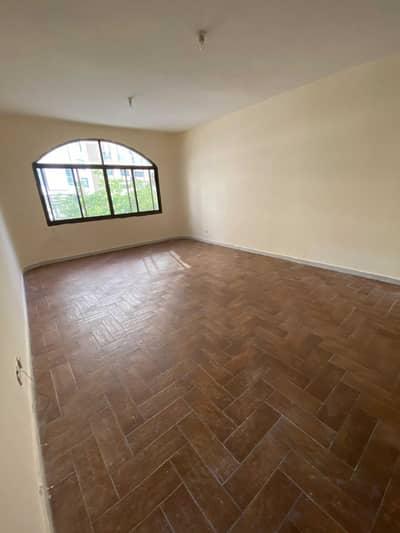 شقة 1 غرفة نوم للايجار في الوحدة، أبوظبي - غرفة وصالة رائعة شهري مقابل الوحدة مول خلف جراند الامارات