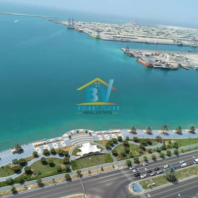 فلیٹ 2 غرفة نوم للايجار في منطقة الكورنيش، أبوظبي - Ravishing 2BHK+Maid Sea views available Balcony Facilities Corniche Area