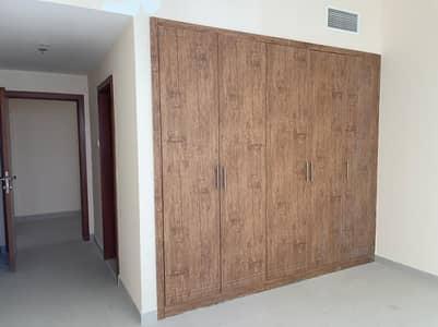 شقة 2 غرفة نوم للايجار في الرميلة، عجمان - للإيجار غرفتين وصالة 3 حمام ، تشطيب سوبر ديلوكس باركنج مجاني بناية جديدة سهل المخرج لدبي
