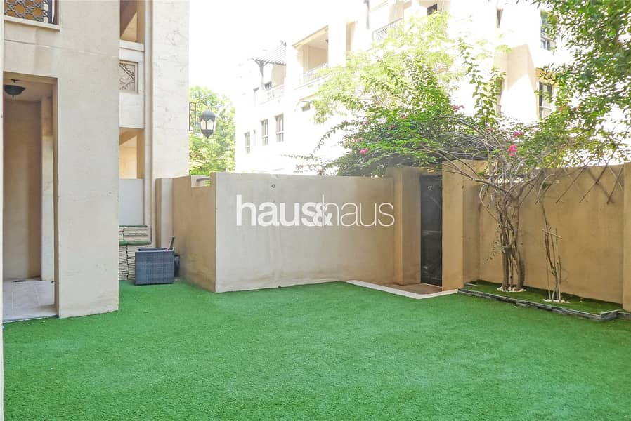 2 Exclusive | 538 sq. ft garden | Available