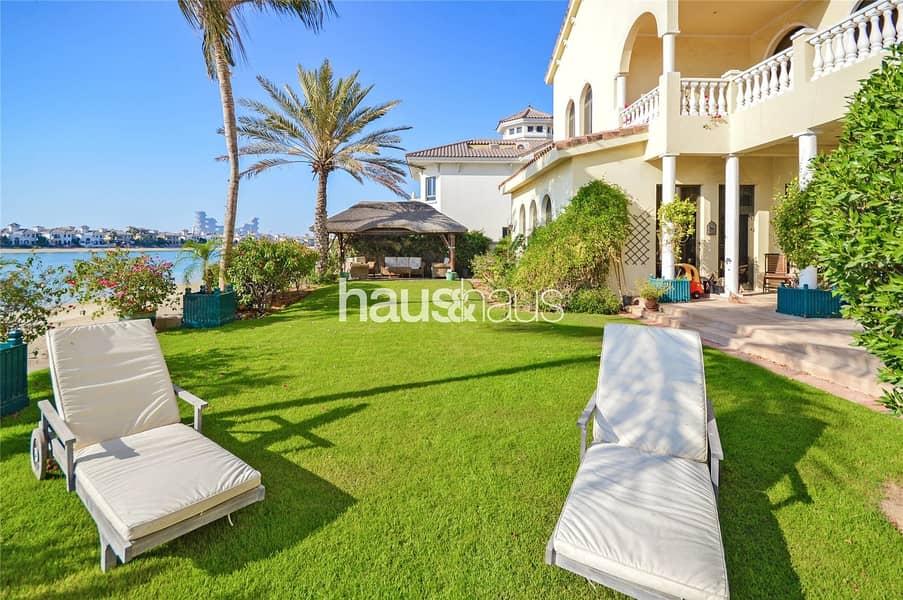 2 Exclusive   Stunning Signature Villa   High No.