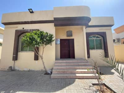 فیلا 3 غرف نوم للبيع في الروضة، عجمان - فيلا 3 غرف نوم بحالة ممتازة وبسعر ممتاز قريبة من شارع الشيخ عمار فالروضة عجمان .