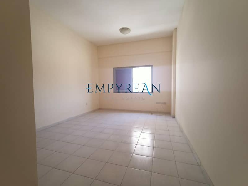DIRECT FROM OWNER BRAND NEW 1BHK OPEN VIEW GYM AND KIDS PLAY ONLY IN 31999 AED 6 CHEQUES.