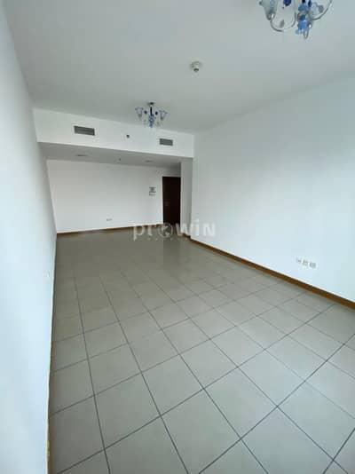 3 Bedroom Flat for Sale in Dubai Marina, Dubai - Luxury Spacious Three Bed Apt At Dubai Marina With Maids & Storage Room !!!
