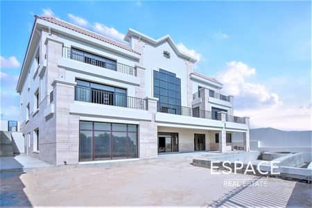 فیلا 5 غرف نوم للبيع في جزر جميرا، دبي - Full Lake View   Custom Shell and Core Mansion