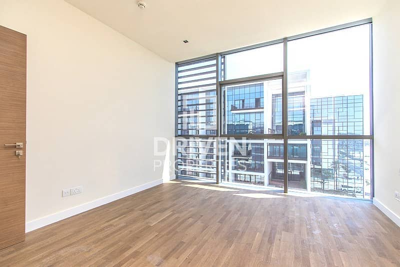 16 Well-maintained Apt   Side Boulevard View
