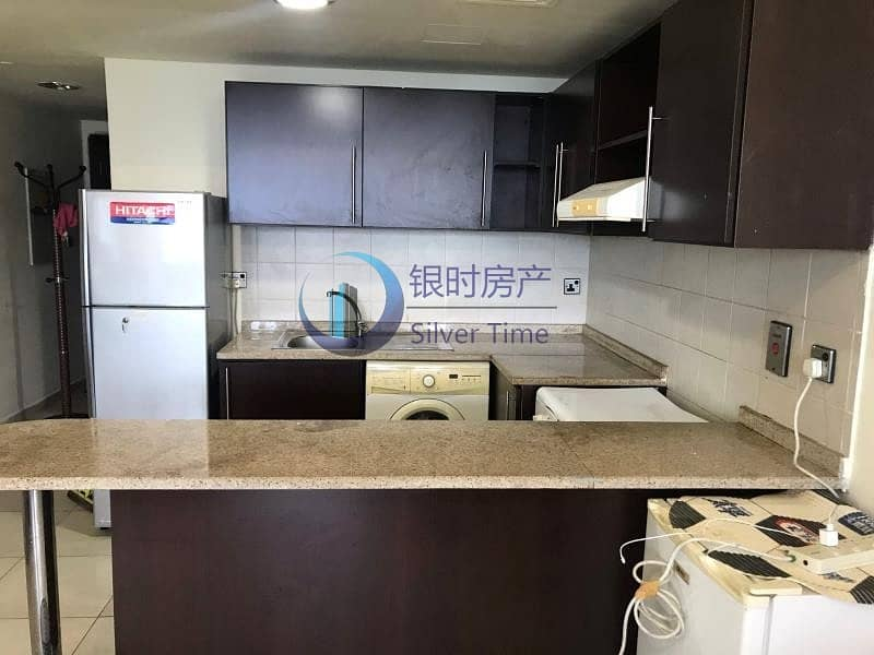 Fully Furnished   Near Metro   Community view
