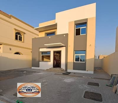 4 Bedroom Villa for Sale in Al Zahia, Ajman - Modern design villa, excellent space, at a snapshot price - very good interior finishing - with bank financing.