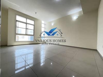 فلیٹ 2 غرفة نوم للايجار في الوحدة، أبوظبي - Spacious 2BHK W/ Balcony