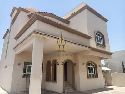 5 Bedroom Villa for Rent in Khalifa City A, Abu Dhabi - Superb Five Master Bedrooms Villa In Khalifa City