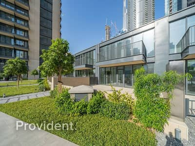 3 Bedroom Townhouse for Sale in Downtown Dubai, Dubai - Podium Townhouse with Private Garden