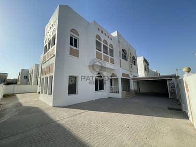 5 Bedroom Villa for Rent in Jumeirah, Dubai - Commercial  Villa | Jumeirah Road | No Commission