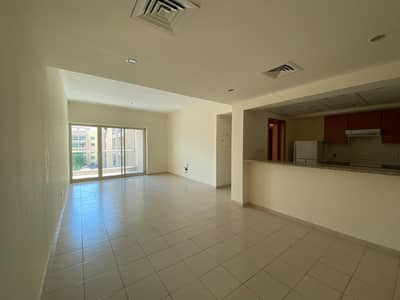 1 Bedroom Apartment for Rent in The Greens, Dubai - 1 BR / Pool View / Vacant