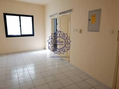 استوديو  للايجار في بر دبي، دبي - Spacious studio with close kitchen only 27k behind medour hospital bur dubai