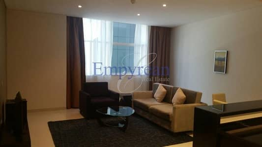 Best Priced Large Fantastic 1 Bedroom in Cour Jardin Close to Metro and down town