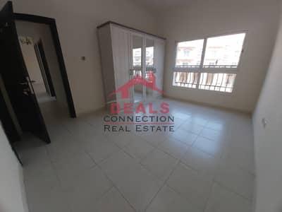 فلیٹ 2 غرفة نوم للايجار في قرية جميرا الدائرية، دبي - Facing to the Pool   2 Bed Apartment with Balcony   Vacant  on 1st Week May