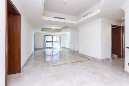 3 Bedroom Apartment for Rent in Palm Jumeirah, Dubai - Large and High End Quality | Well-priced