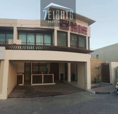 HOT SALE: 4 b/r good quality semi-independent villa + maids room + large garden for sale in  Jumeirah 1