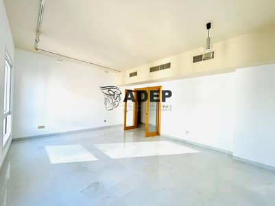 3 Bedroom Flat for Rent in Hamdan Street, Abu Dhabi - No Commision 3BHK  With Parking