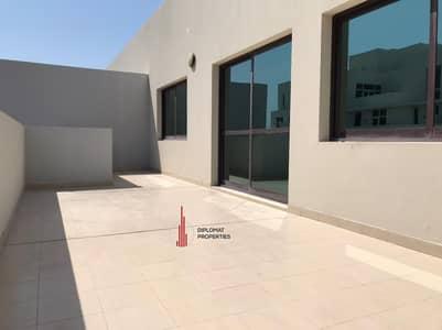 شقة 2 غرفة نوم للايجار في قرية جميرا الدائرية، دبي - 01