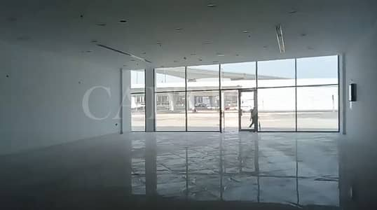 Showroom for Rent in Sheikh Zayed Road, Dubai - EXCELLENT SHOWROOM  ! READY AND FITTED ! Sheikh Zayed Road Building