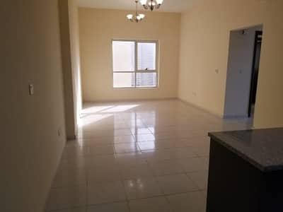 شقة 2 غرفة نوم للبيع في مدينة الإمارات، عجمان - شقة في أبراج أحلام جولدكريست مدينة الإمارات 2 غرف 170000 درهم - 4936702