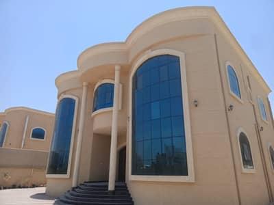 فیلا 5 غرف نوم للايجار في الرقايب، عجمان - فيلا للايجار في الرقيب تشطيب سوبر لوكس مساحات كبيرة مساحة راقية قريبة من جميع الخدمات وخلف هايبر نستو امام المسجد