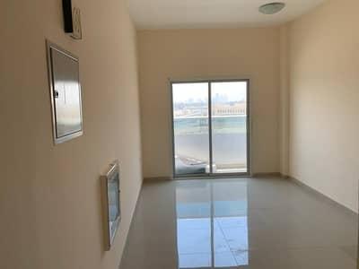 شقة 1 غرفة نوم للايجار في الروضة، عجمان - غرفه وصاله + 2 حمام + بلكونه + شهر فرررري