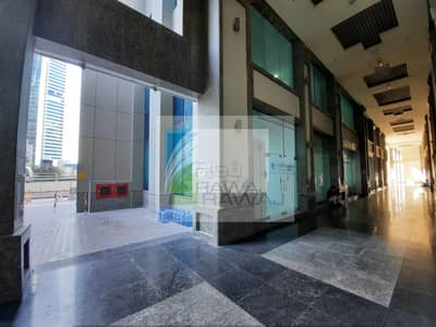 معرض تجاري  للايجار في الخليج التجاري، دبي - DUPLEX SHOWROOM | VACANT ON TRANSFER | ONTARIO TOWER