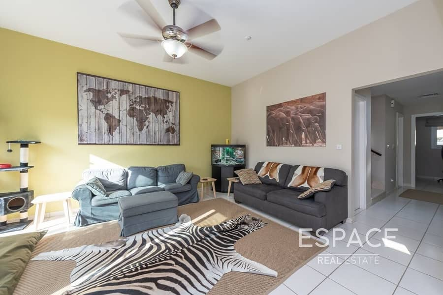 2 Exclusive 3BR Opposite Pool and Park and Skyline View