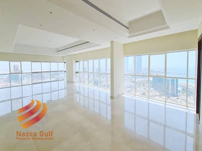 4 Bedroom Penthouse for Rent in Al Khalidiyah, Abu Dhabi - Spacious Penthouse Overlooking the Sea and the City