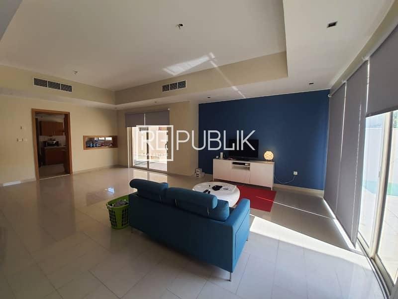 Luxurious 5 BR Deluxe Villa in Beautiful Community