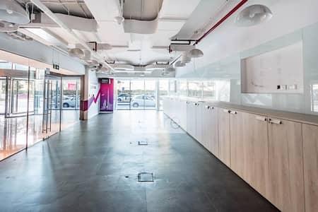 محل تجاري  للايجار في شارع الشيخ زايد، دبي - Fully Fitted Retail | Low Floor | Ideal Location