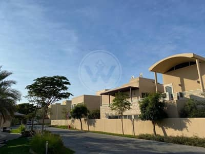5 Bedroom Villa for Sale in Al Raha Gardens, Abu Dhabi - 5 bedroom with pool and privacy | Ready to move in