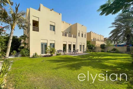 6 Bedroom Villa for Sale in The Meadows, Dubai - Beautiful Lake View   Type L2   Vacant on Transfer