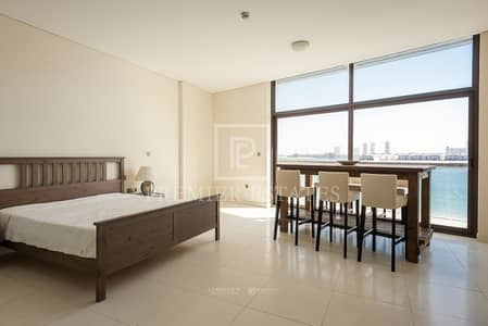 Studio for Sale in Palm Jumeirah, Dubai - Unique apartment directly on the beach|Fully furnished