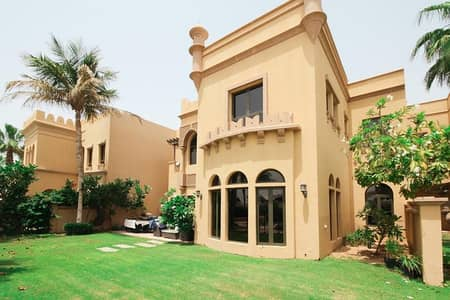 4 Bedroom Villa for Sale in Palm Jumeirah, Dubai - Exclusive | Vacant | Inside the Gate