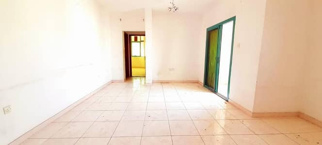 1 Bedroom Apartment for Rent in Al Mujarrah, Sharjah - HOT  OFFER BIG 1 BHK  JUST IN 15K WITH BALCONY NEAR LULU HYPER
