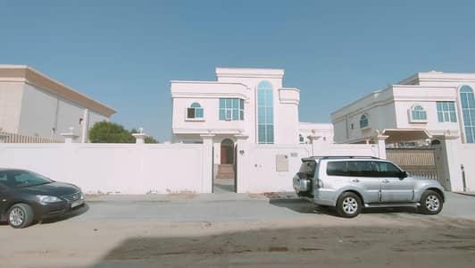 فیلا 5 غرف نوم للايجار في القوز الشارقة، الشارقة - فیلا في القوز الشارقة 5 غرف 120000 درهم - 5164560