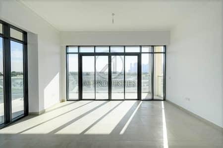 شقة 2 غرفة نوم للايجار في التلال، دبي - Lake and Emirates Hills View