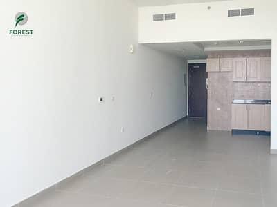 استوديو  للايجار في الخليج التجاري، دبي - High Floor | Massive Studio | Ready By June 8