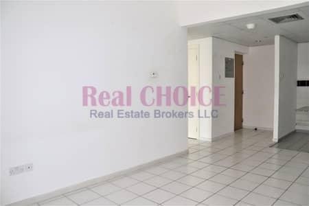 فلیٹ 2 غرفة نوم للايجار في شارع الشيخ زايد، دبي - Hot Deal ! 2BR in 4 Cheques | Next to the Metro | With Balcony