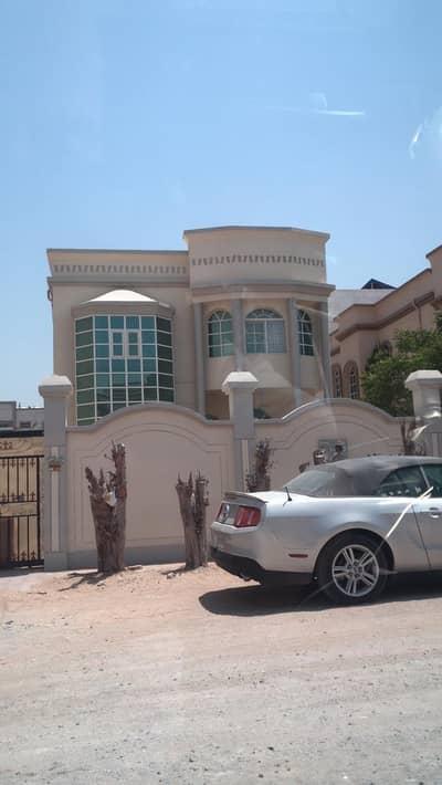5 Bedroom Villa for Sale in Al Mowaihat, Ajman - Villa for sale in Ajman, Al Mowaihat area, with electricity and water