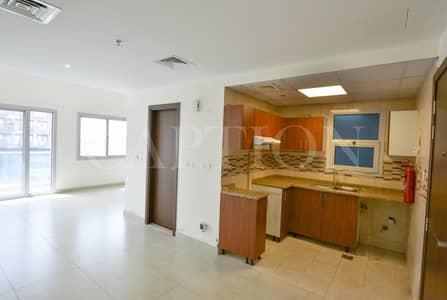 استوديو  للايجار في الورسان، دبي - LARGE STUDIO    Well maintained family building   FAMILY BUILDING