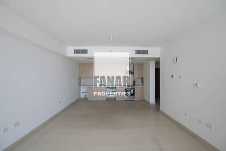 1 Bedroom Apartment for Sale in Al Raha Beach, Abu Dhabi - Vacant and Ready to Move-In apt   Big Layout