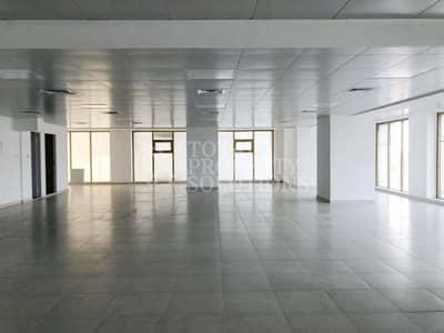 مکتب  للايجار في شارع الكورنيش، أبوظبي - Huge Office Space | Affordable Rate