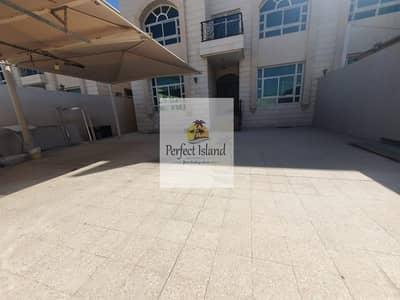 9 Bedroom Villa for Rent in Al Muroor, Abu Dhabi - Commercial Villa  Private Entrance  prime location