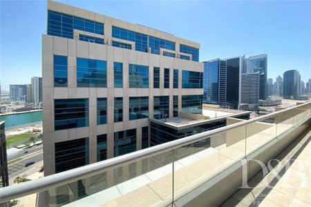 1 Bedroom Flat for Rent in Business Bay, Dubai - Classy 1 bed | Canal View | Clean | Vacant
