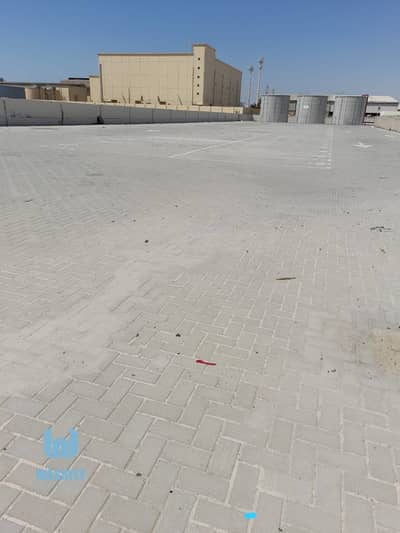 Plot for Rent in Al Quoz, Dubai - WELL  GATED AND FENCED COMMERCIAL PLOT ON MAIN ROAD