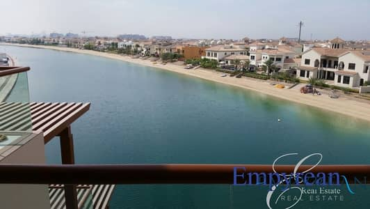 استوديو  للايجار في نخلة جميرا، دبي - Well Maintained Best Views Best Priced Large studio with Large Balcony